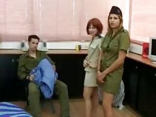 سكس في الجيش الاسراءيلي